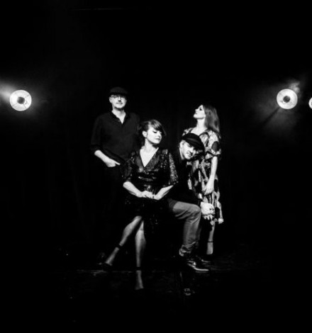 NEW SINGLE/VIDEO FROM NOUVELLE VAGUE: GIRLS & BOYS